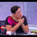 """TVN desmiente """"sueldo"""" de Beatriz Sánchez que circula en Twitter, dice que no revelará montos y Kast explota"""