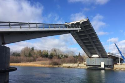 Puente Cau-Cau podrá ser transitado a partir del 15 de agosto