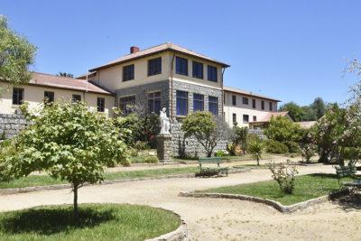 Punta de Tralca: cómo funciona el centro de retiro en el que conviven sacerdotes y niños