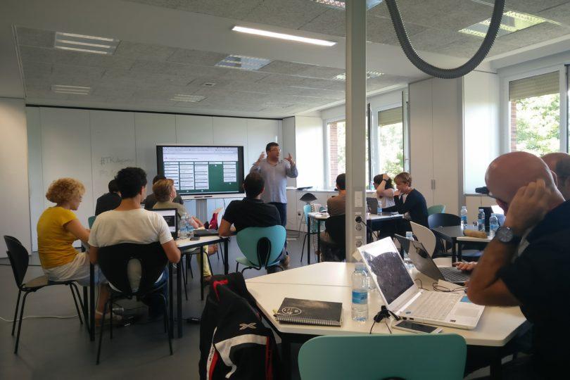 Aprendizaje Colaborativo Basado en Desafíos: el innovador sistema que llegó a Chile para revolucionar la educación Técnico Profesional