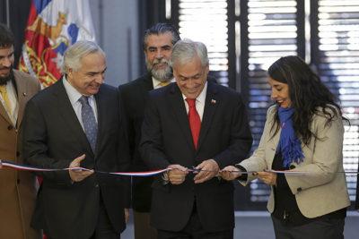 """¿Acoso laboral de Piñera?: académica rechaza nueva """"broma"""" del Presidente"""