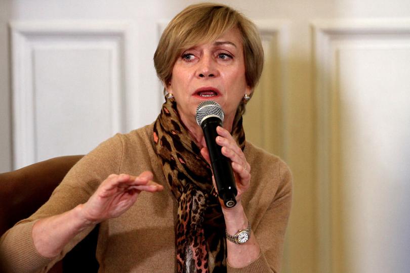 Evelyn Matthei y adopción homoparental: Un niño va a estar mejor en ese hogar que en el Sename
