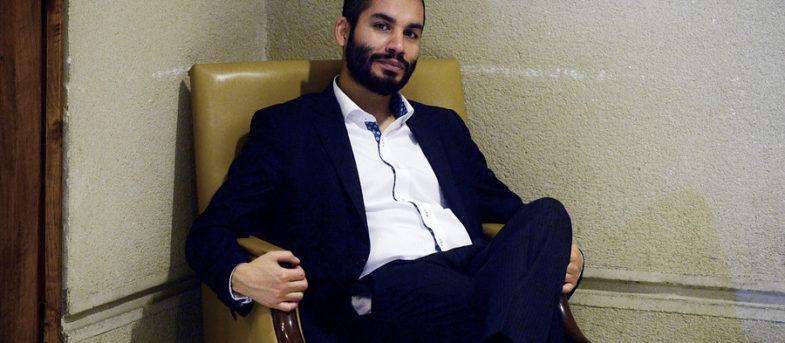 """""""Arrinconándome, repitiendo una y otra vez insultos"""": asesor parlamentario de RD denuncia agresión de diputado Garín"""