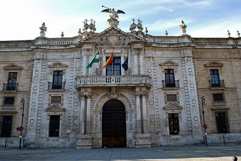 Universidad de Sevilla prepara demanda contra chileno por denuncia de estafa de 43 alumnos