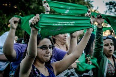 Senado de Argentina debate legalización del aborto libre hasta la semana 14 de gestación