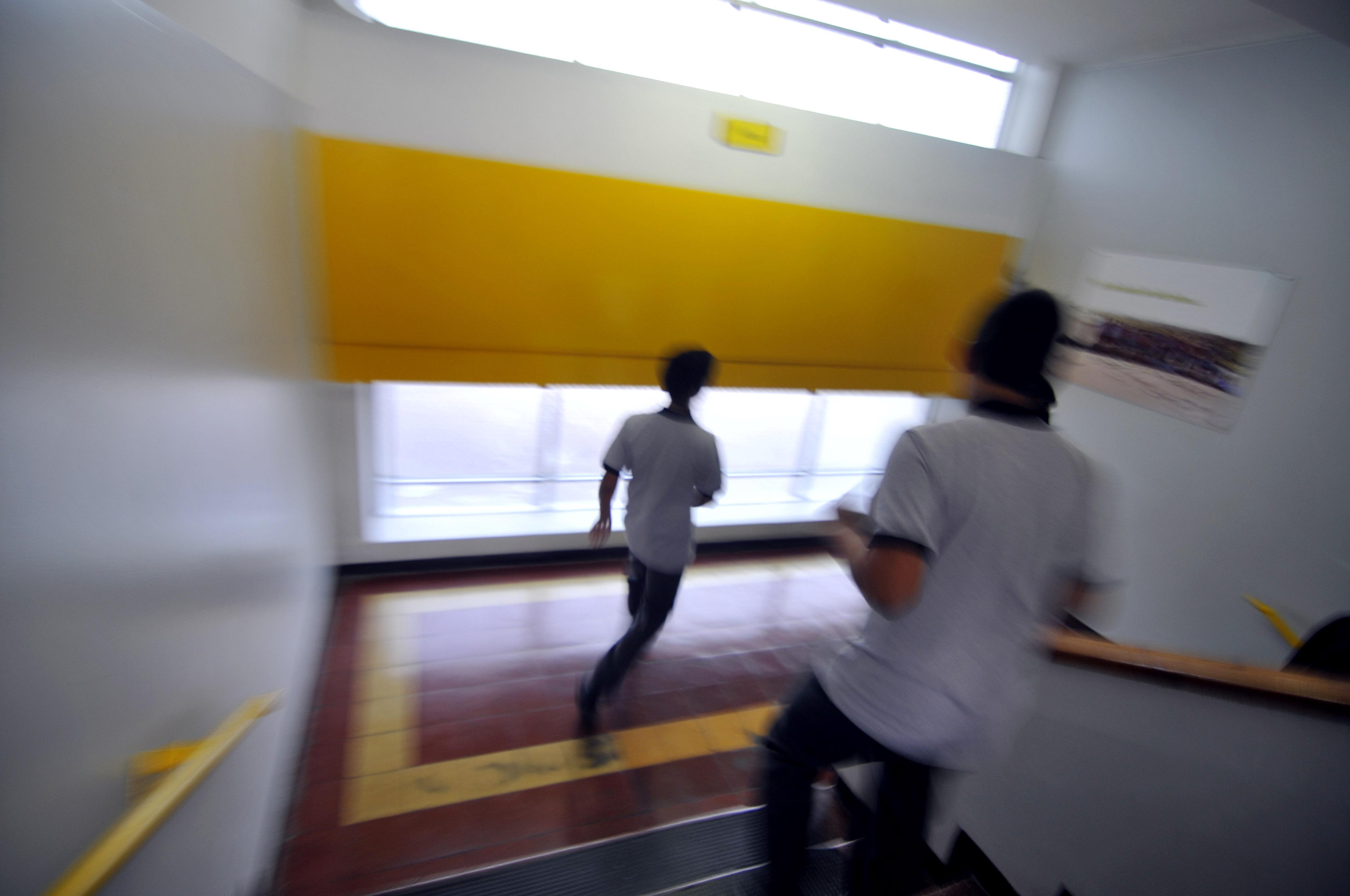 Tres colegios de Quintero fueron evacuados tras intoxicación de alumnos con gas desconocido