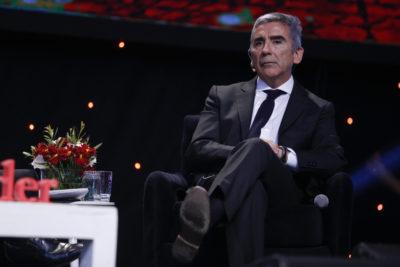 """Carlos Peña sin filtro contra Mauricio Rojas: """"Comete errores indignos de un ministro de Estado"""""""