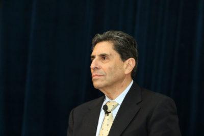 Un 18 austero: a Mauricio Rojas aún no le pagan sus cuatro días como ministro