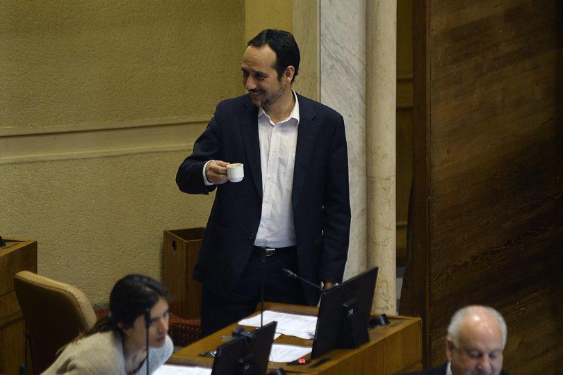 Diputado PC critica a Boric por pedir que la izquierda condene a Cuba y Venezuela: respuesta de Matamala lo dejó en silencio