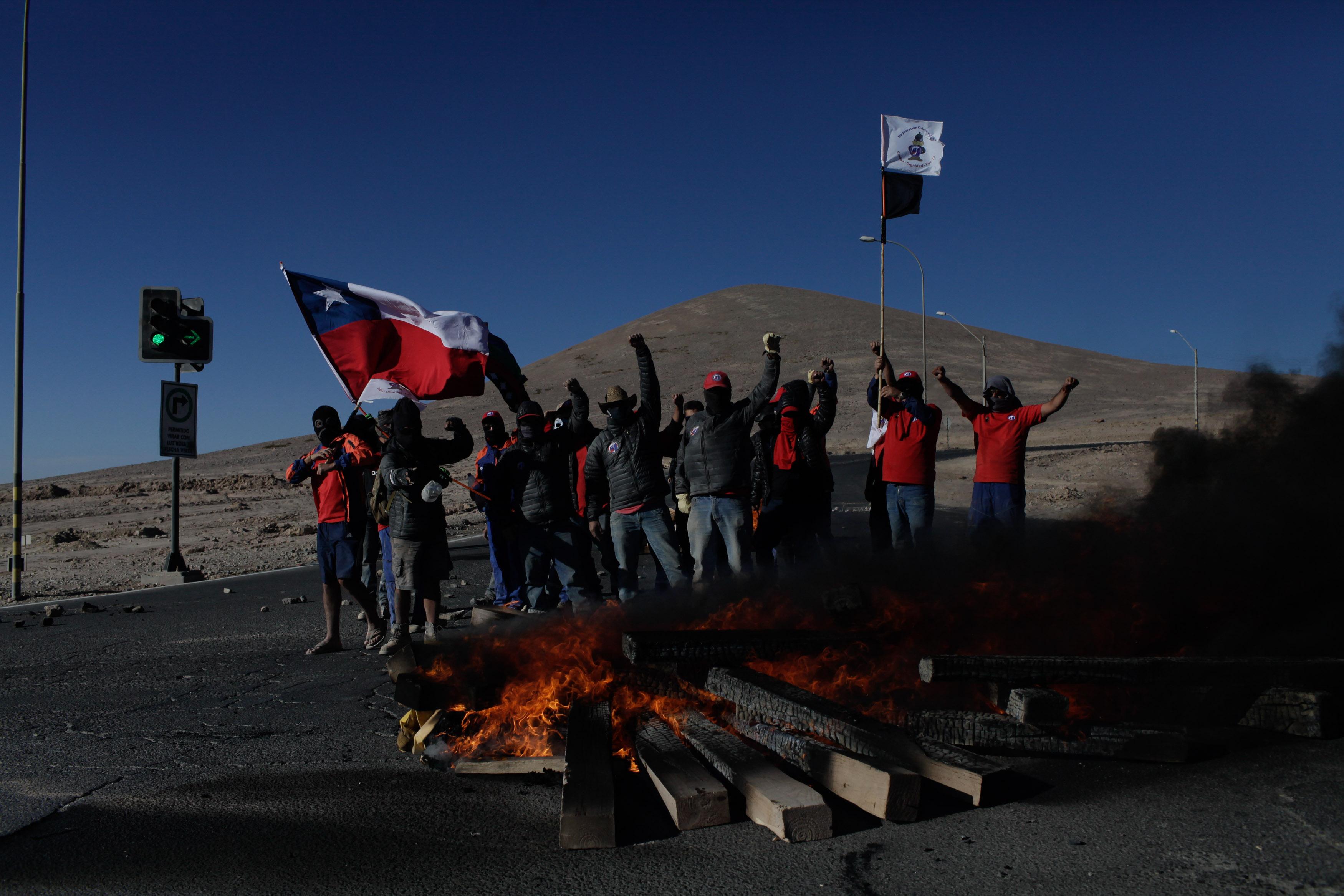 """Minera Escondida reacciona a huelga de trabajadores: """"Todos perdemos"""""""