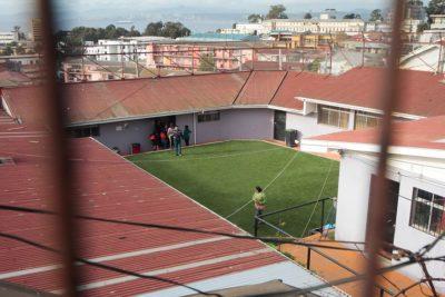 """""""Desnudos a la intemperie"""": fiscal detalla apremios contra menores en Cread Playa Ancha"""