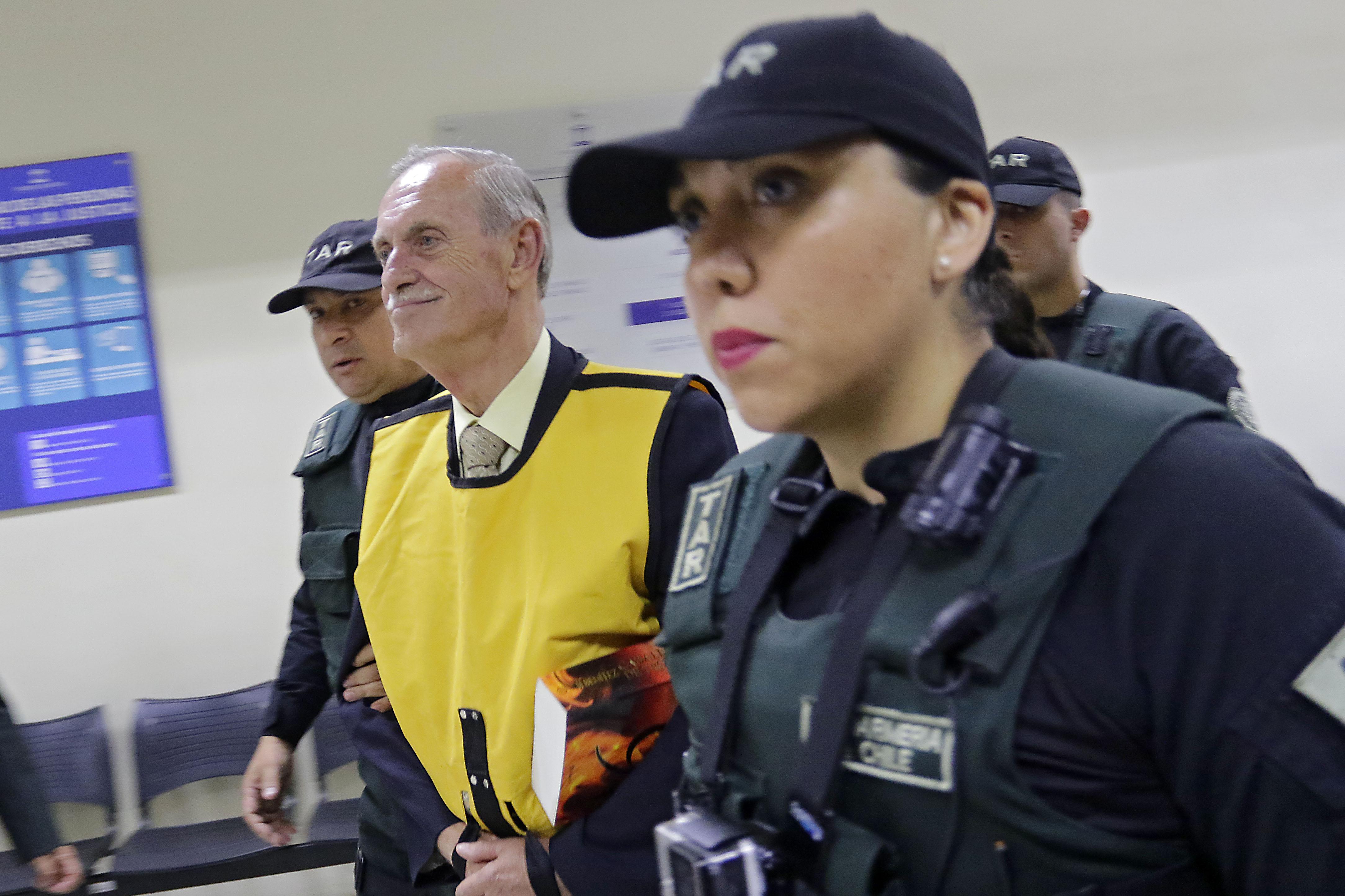 Corte de Apelaciones rebaja condena a Miguel Krassnoff y otros dos ex agentes de la DINA por Operación Colombo