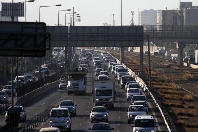 Los otros costos por uso de calles y carreteras en Santiago