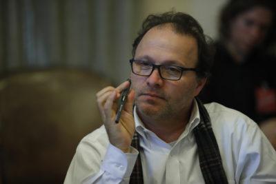 """Senador Alfonso de Urresti por crisis en Quintero: """"Los ejecutivos que contaminan deben terminar presos, no pagar una multa"""""""