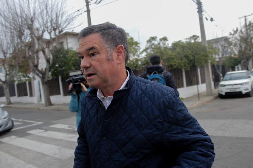 """Manuel José Ossandón sale en defensa de Piñera y dispara contra Bachelet: """"Recibimos una gestión debilucha"""""""