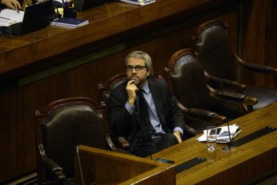 Gobierno otorga discusión inmediata a proyecto de salario mínimo y urgencia a otros 19 más