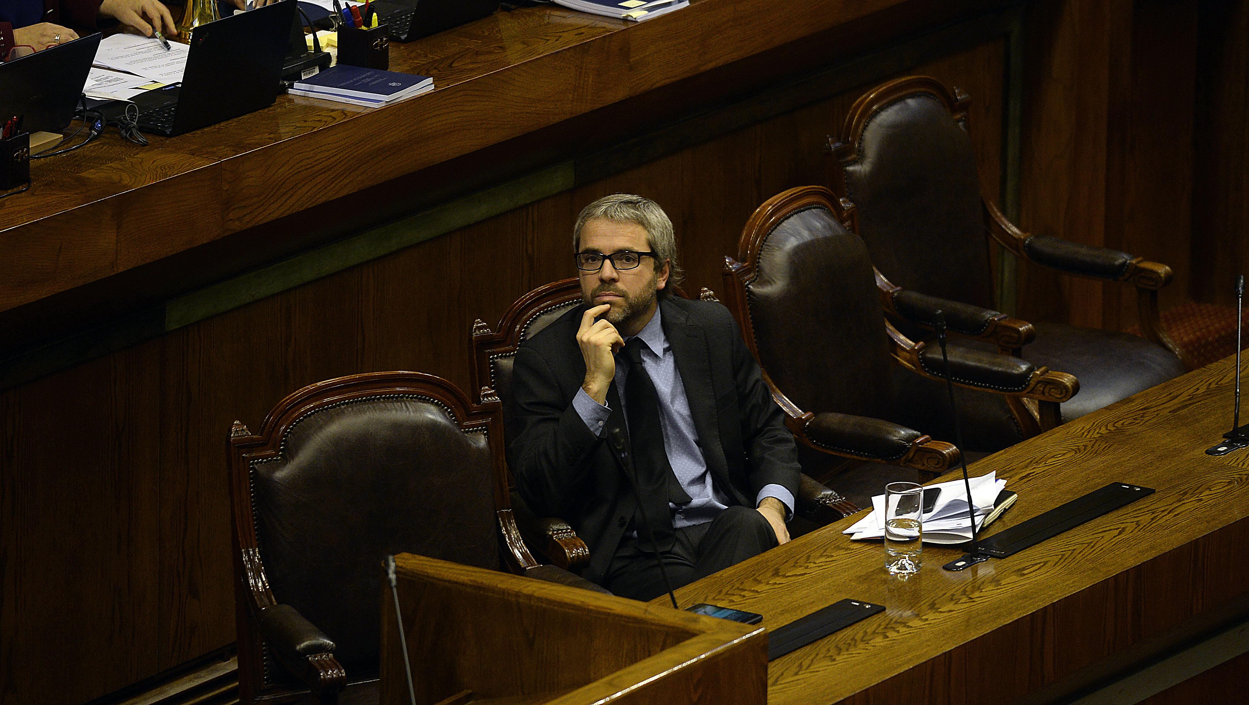 """""""Gobierno otorga discusión inmediata a proyecto de salario mínimo y urgencia a otros 19 más"""""""