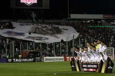 FOTO | Hinchas en silla de ruedas no pudieron ver nada del partido entre Colo Colo y Corinthians