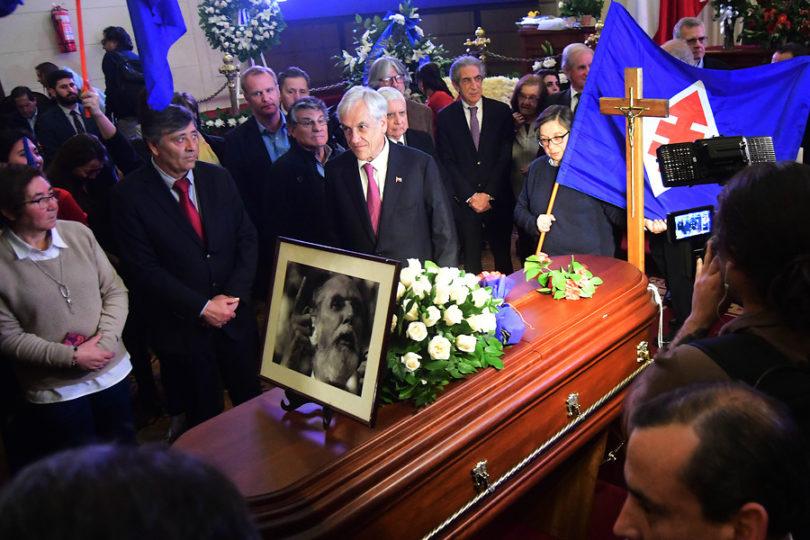 """Piñera destaca la figura de Andrés Aylwin: """"Fue un hombre bueno, valiente y consecuente, que luchó por los DD.HH."""""""
