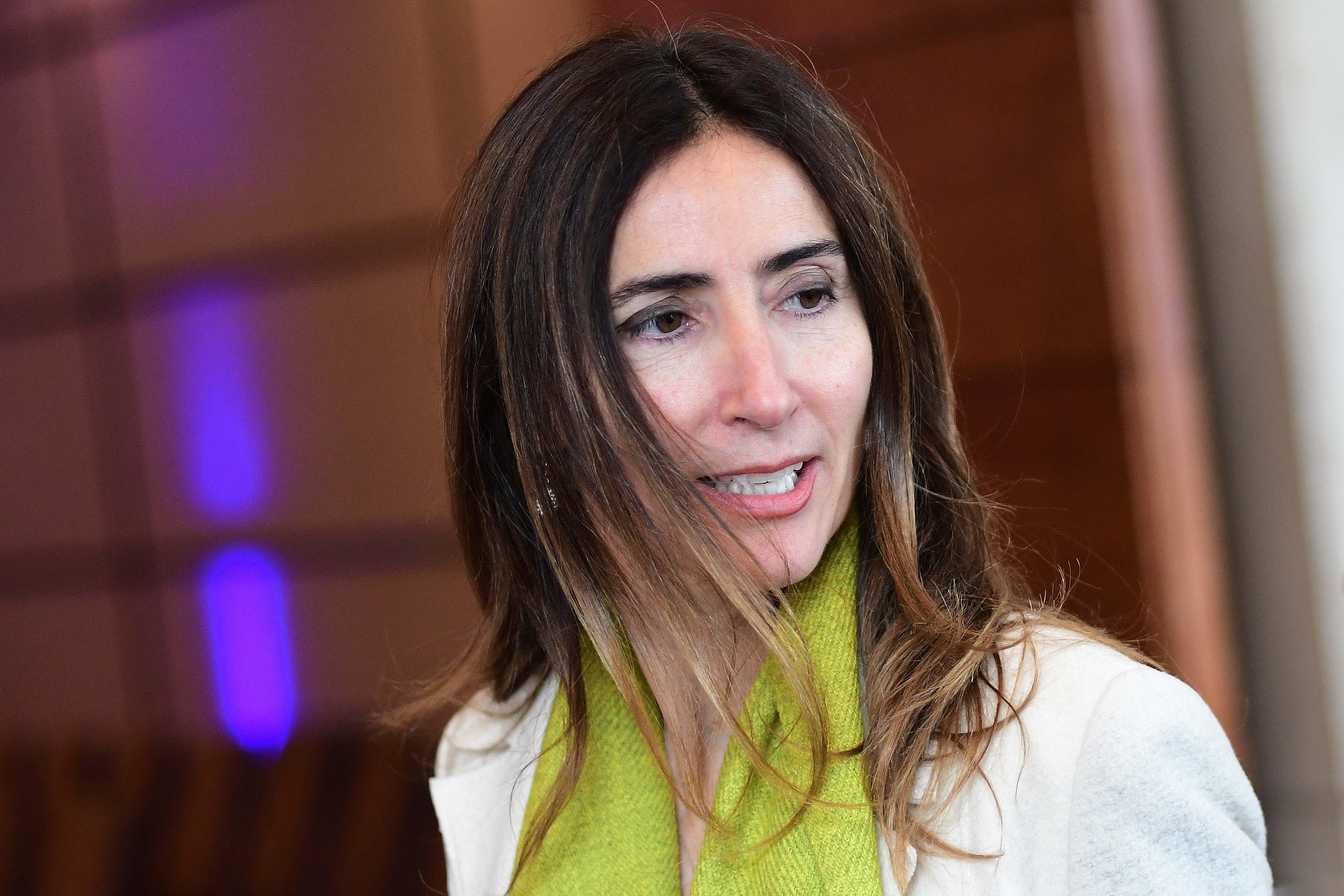 """""""Diputados acudirán a Contraloría por presunto vínculo e intereses de ministra Schmidt con Oxiquim"""""""