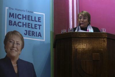 """Michelle Bachelet: """"Me alegra haber podido ayudar a poner en movimiento mi país, en la dirección correcta"""""""