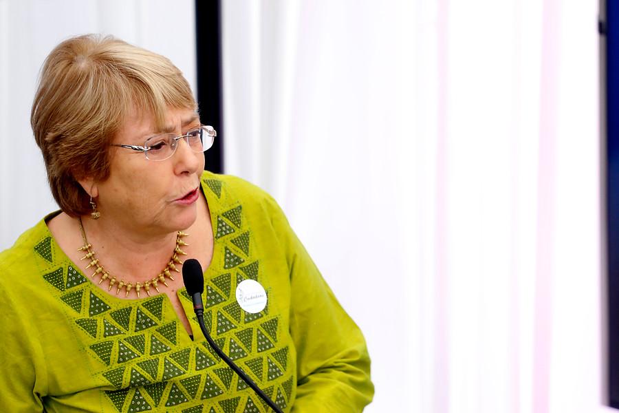 Bachelet lanza su fundación con mensaje a Piñera sobre uso del lenguaje inclusivo