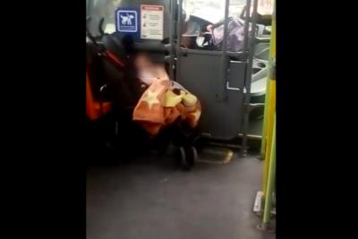 VIDEO |Impresentable: chofer del Transantiago tiene que salir a trabajar con su bebé