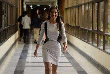 """Ex funcionario de Bachelet tilda de """"viejo facho verde"""" a De la Carrera por episodio Vallejo y Camila Flores sale en su defensa"""