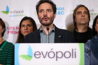 """Presidente de Evópoli defiende a Ampuero: """"Son casos totalmente distintos"""""""
