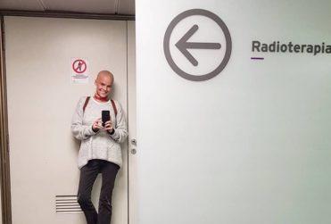 """Javiera Suárez sale a responder a usuaria que la acusó de """"tener suerte"""" por contar con dinero para tratar su cáncer"""