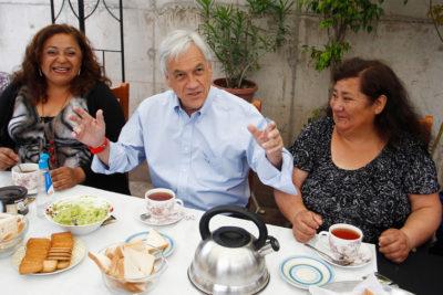 """Piñera lanza concurso para tomar once con él: """"Yo pongo la comida"""""""