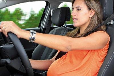 ¿Estás embarazada y sigues manejando?: Estas son las recomendaciones que debes seguir