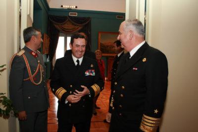 Ex Comandante en jefe de la Armada hace el ridículo y amenaza a Bolivia con usar la fuerza