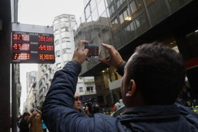 El 59% de argentinos desaprueba al Gobierno de Macri durante crisis