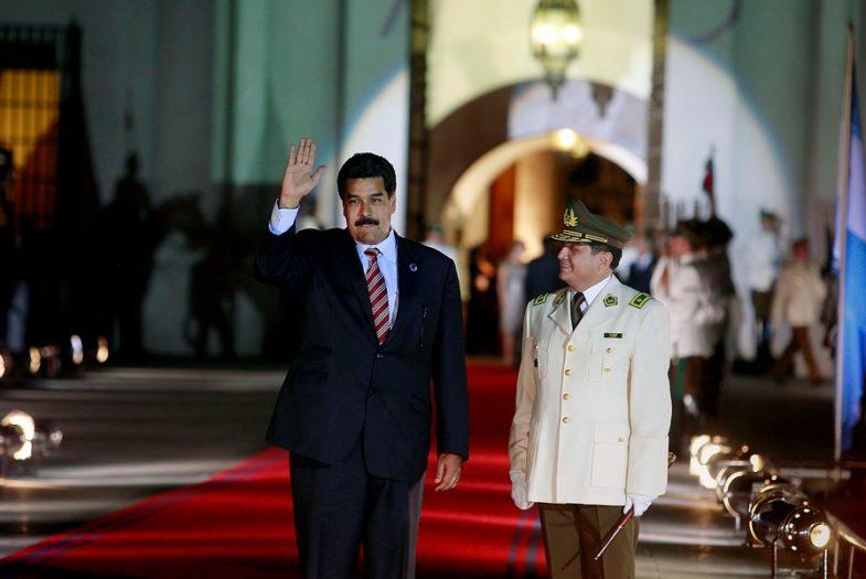 """Maduro dispara: Gobierno de Piñera """"está embarrado"""" en atentado en su contra"""