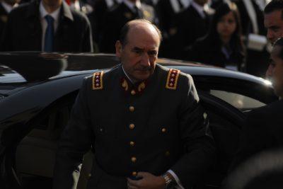 Caso viajes: ministra investiga al general (r) Fuente-Alba por eventual fraude al Fisco