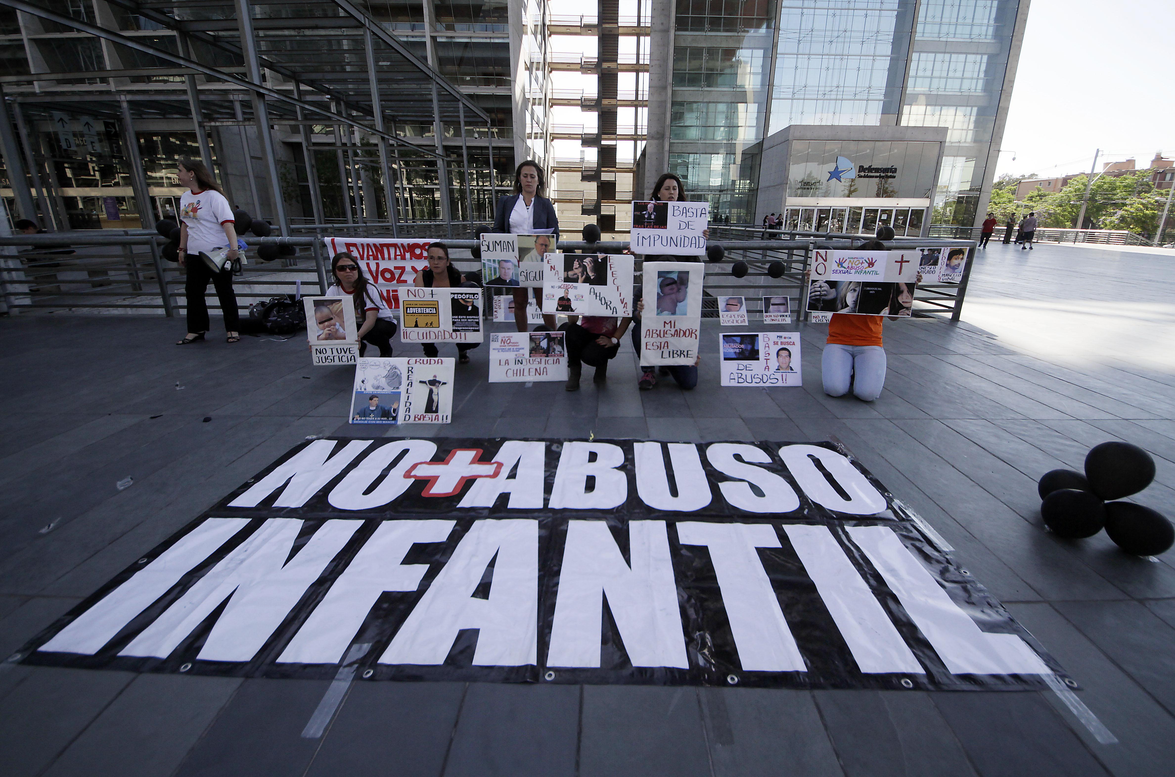 Jesuitas de EE.UU. incluyen a sacerdote chileno del colegio San Ignacio en lista de acusados de abuso sexual