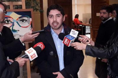 """Diputado PS critica al plan Aula Segura: """"Están renunciando a la educación de algunos adolescentes"""""""