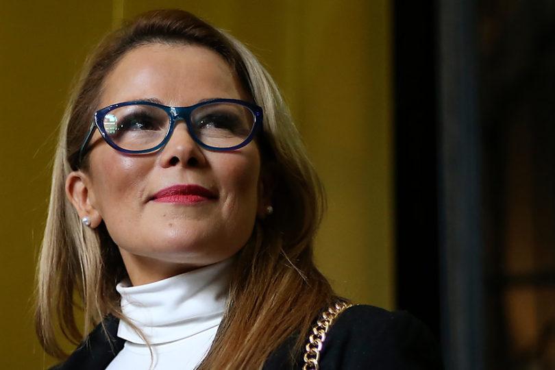 """Cathy Barriga desatada: dispara contra los medios y trata de """"parásitos"""" a concejales y diputados"""