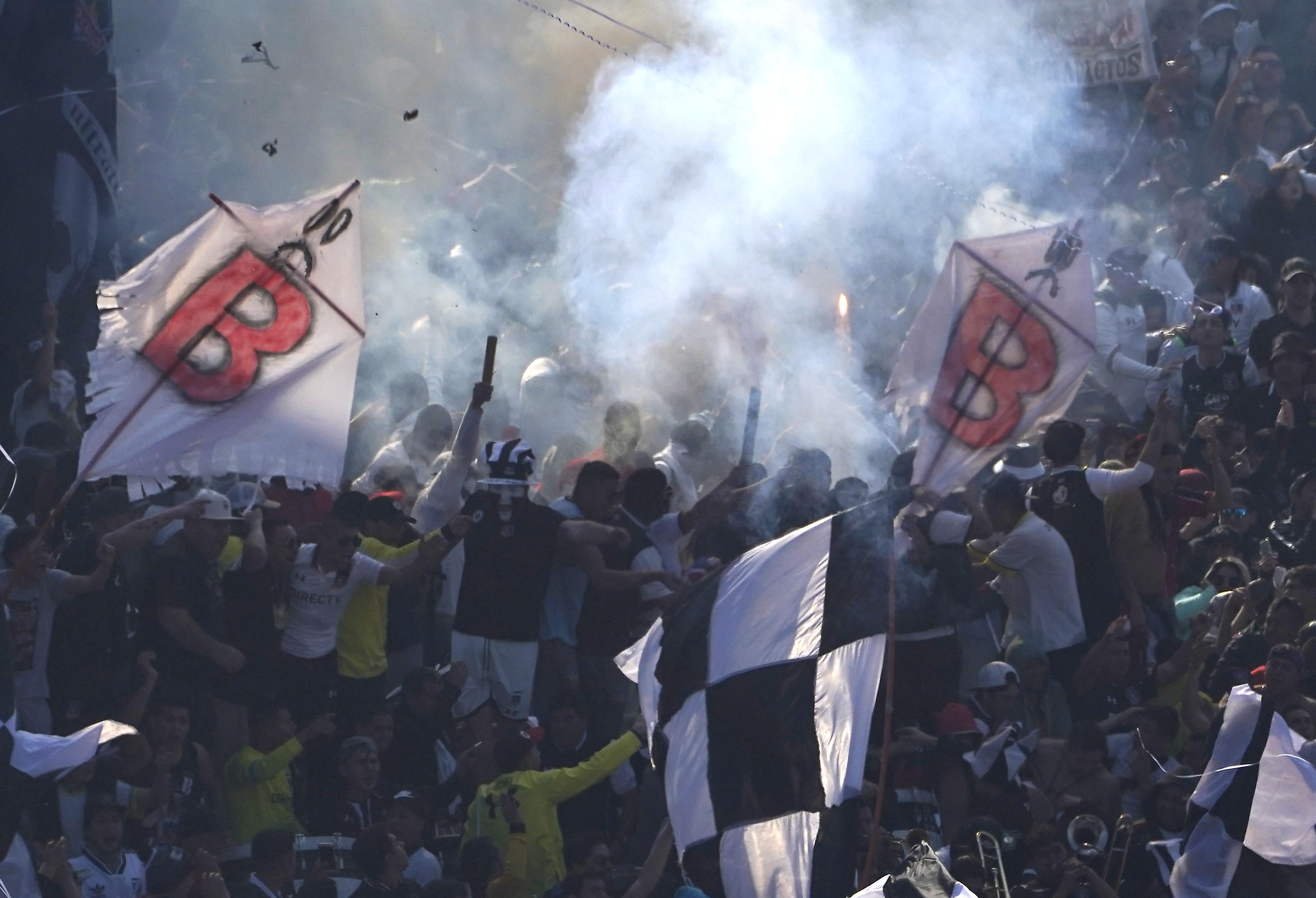 """""""Superclásico: tres hinchas fueron sancionados con más de 11 años fuera de los estadios"""""""