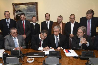 Detalles del acuerdo firmado entre el Gobierno y la oposición por el salario mínimo