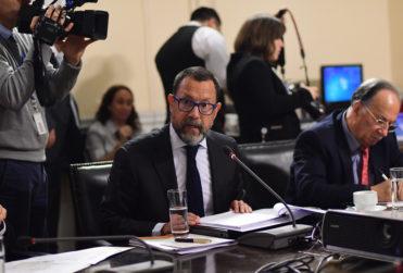 """Presidente del directorio de TVN anuncia al Congreso nuevas medidas de """"austeridad"""""""