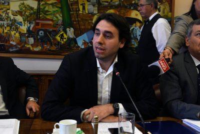 """Vlado Mirosevic: """"No es dramático que el canciller Roberto Ampuero no viaje a La Haya"""""""