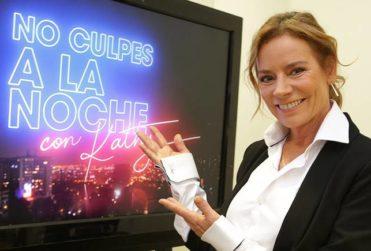 """Machismo en TV: farándula habla de Daniela Castillo por estar """"con pupilo 13 años menor"""" y Kathy Salosny sale a responder"""