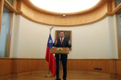 """Diplomacia nivel Ampuero: Canciller envía tuit a Evo Morales diciéndole que """"navega por un mar de contradicciones"""""""