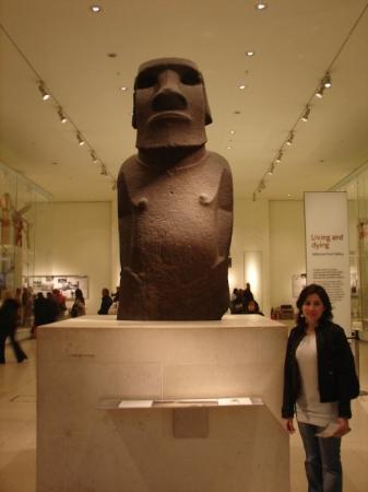"""""""Alcalde de Rapa Nui no quiere de vuelta el moai del Museo Británico de Londres"""""""