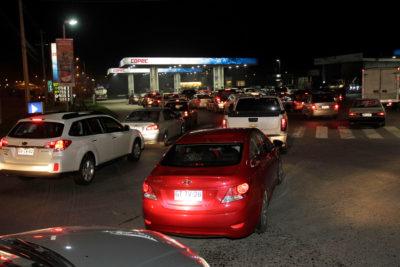 Bloqueo de camioneros en Magallanes provoca colapso en bencineras