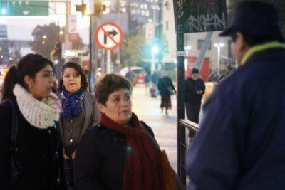 Nueve de cada 10 mujeres en Santiago se sienten inseguras al usar transporte público