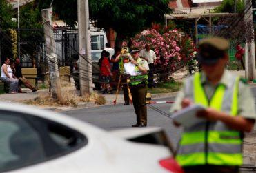 Colgado con cadena, encapuchado y esposado: lo que se sabe hasta ahora del macabro crimen en Maipú