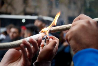 El 30% de los estudiantes chilenos de segundo medio ha consumido marihuana y el 40% se ha emborrachado